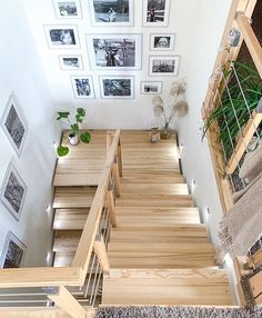 best stair landing decor ideas for your dream house to look amaze page 8 Home Stairs Design, Home Room Design, Interior Stairs, Home Office Design, Home Interior Design, House Design, Stair Landing Decor, Architecture Design, House Staircase