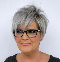 Fun Silver Pixie with Long Razored Layers red hair styles 80 Best Modern Hairstyles and Haircuts for Women Over 50 Popular Short Hairstyles, Modern Hairstyles, Short Hairstyles For Women, Cool Hairstyles, Hairstyles 2018, Wedding Hairstyles, Pixie Hairstyles, Japanese Hairstyles, Asian Hairstyles