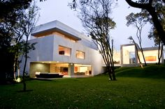 Cañada House by GrupoMM | urdesign magazine