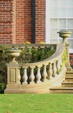 Steps with balustrade and ivy Balcony Railing Design, Outdoor Stone, Stone Columns, Home Building Design, Front Door Design, Spanish House, Backyard, Patio, House Entrance