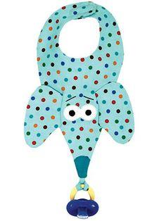 Molde Prendedor de chupeta e babador de bichinhos em tecido Confeccione lindos babadores de bichinhos - Prendedor de chupeta Baix. Quilt Baby, Baby Sewing Projects, Sewing For Kids, Baby Gifts To Make, Diy Bebe, Bib Pattern, Binky, Baby Crafts, Baby Accessories