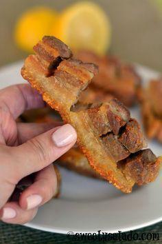 Sweet y Salado: Colombian Fried Pork Belly - Chicharrón Pork Recipes, Mexican Food Recipes, Cooking Recipes, Hawaiian Recipes, Easy Pork Belly Recipes, Salad Recipes, Fried Pork Belly Recipe, Crispy Pork Skin Recipe, Pork Belly Strips