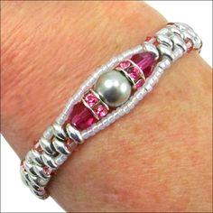Flowers in the Window Bracelet | Bracelets Seed Bead Jewelry, Wire Jewelry, Jewelry Crafts, Beaded Jewelry, Jewelry Bracelets, Handmade Jewelry, Jewellery, Jewelry Kits, Seed Beads