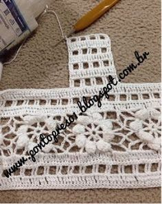 Uma PALINHA com pequenos squares, compõe o modelito... Um detalhe em Croche, faz toda diferença! A p...