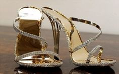 Most Expensive Shoes in 2011? 2200 Diamonds, 30 Carats! $218000