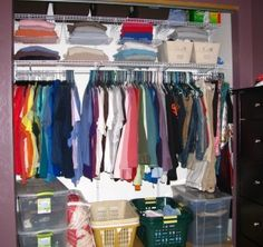 How to Be Organized. Most people do not like being disorganized. Organization takes time, but when you get the hang of it, life becomes much easier. To be truly organized, you need to organize your space and organize your time, making sure. How To Organize Your Closet, Organizing Your Home, Organizing Tips, Organising, Cleaning Tips, Be Organized, Getting Organized, Deep Closet, Master Closet