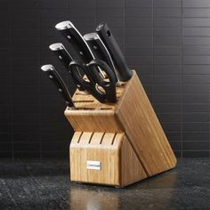 A Rechargeable Electric Knife Makes Carving Easy – Metal Welding Welding Table, Metal Welding, Welding Design, Collector Knives, Knife Making Tools, Trench Knife, Electric Knife, Collectible Knives, Knife Block Set
