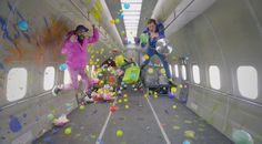 ¿Cómo se hizo el videoclip en caída libre de OK Go? | La banda estadounidense causó gran impacto con su última canción Upside Down & Inside Out