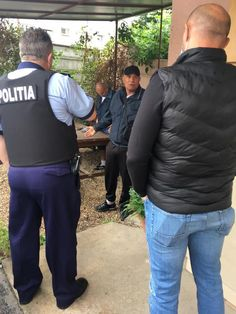 O femeie în vârstă de 80 de ani a fost atacată de o bandă de hoți, formată din patru indivizii, care au fost prinși de angajații STPT. Student