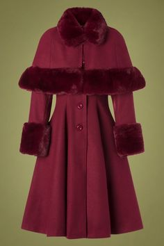 Capulet Coat in Wine, with removable Capelet that attaches at the neck. 1930s Fashion, High Fashion, Womens Fashion, Thick Sweaters, Kinds Of Clothes, Swing Skirt, Vintage Coat, Warm Coat, Street Style Women