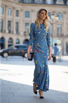 Sabine Getty in Schiaparelli dress | Paris Couture Week 2015 #StreetStyle