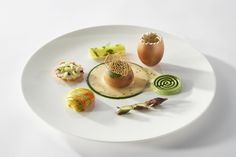 #bocusedor #bocusedoreurope2018 #contest #gastronomy #chefs #food #cooking #teamspain #plate ©Studio Julien Bouvier Bocuse Dor, Plate, Chefs, A Table, Panna Cotta, Europe, Studio, Breakfast, Ethnic Recipes