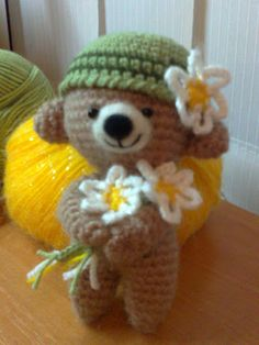 Gorgeous spring time bear, lovely for Easter time. (Inspiration).