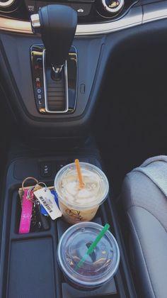 Fearlesssssandfree: caffeine crazy ☕ jeep keys, car keys, car for teens, Mason Jar Tumbler, Mason Jars, My Dream Car, Dream Cars, Foto Snap, Preppy Car, Girly Car, Cute Car Accessories, Car Essentials