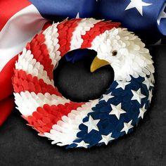 Patriotic Wreath, Patriotic Crafts, Patriotic Decorations, 4th Of July Wreath, Diy Wreath, Wreaths, Arts And Crafts, Diy Crafts, Old Glory