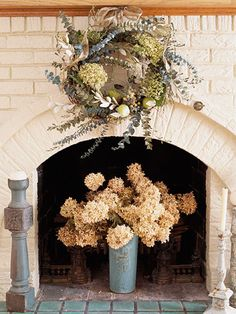 Pretty Natural Wreath -- even though the instructions are just for the wreath, I really like the whole display. A beautiful way to decorate a non functioning fire place.
