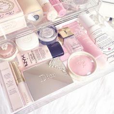 Pretty Makeup Collection www.lovecatherine.co.uk www.instagram.com/catherine.mw