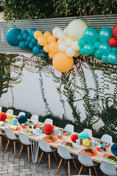 Taco Party, Fiesta Party, Birthday Party Decorations, Party Themes, Party Ideas, Birthday Bash, Birthday Celebration, Dragons Love Tacos Party, Balloon Garland
