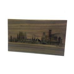 Quer eternizar o skyline de sua cidade preferida em madeira para colocar em sua parede? A Dröm Design faz a arte que você desejar. Dröm Custom Shop - Moema / Sp www.drom.com.br/loja  #wood #laserengraving #skyline #city #customdesign #picture #frame #panel #board #design #dromdesign #dromcustomshop #custom