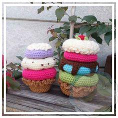 Free crochet pattern: Amigurumi Donut Stacked Sundae (Scraps of Yarn Amigurumi Food Mystery CAL) by Creative Crochet Workshoip