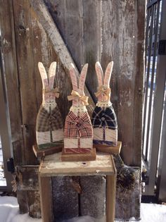 Primitive wood bunnies, primitive Easter, primitive spring, country decor, Easter decor, Easter bunnies, country primitive, primitive decor by LnMPrimitives on Etsy https://www.etsy.com/listing/173198473/primitive-wood-bunnies-primitive-easter