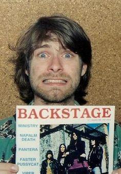 Kurt Cobain Looking adorable! Nirvana Band, Nirvana Kurt Cobain, Nirvana Songs, Joey Ramone, Dave Grohl, Grunge, Kurt Cobain Photos, Napalm Death, Kurt And Courtney