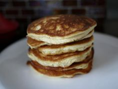 Fluffy low carb pancakes (THM-S) Trim Healthy Recipes, Trim Healthy Momma, Almond Recipes, Low Carb Recipes, Real Food Recipes, Cooking Recipes, Paleo Recipes, Yummy Food, Almond Flour Pancakes