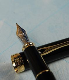 Diplomat Excellence A Black Lacquer Gold Fountain Pen (Gold Nib) | NoteMaker - Australia's Leading Online Stationery Shop