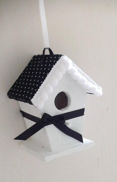 vogelhuisje Bird Houses Painted, Decorative Bird Houses, Bird Houses Diy, Birdhouse Ideas, Bird Feeders, Wind Chimes, Special Gifts, Projects To Try, Shabby Chic
