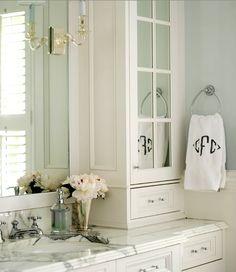 Lucite Bathroom Hardware - Traditional - bathroom - Morgan Harrison Home