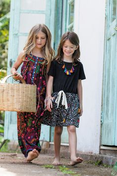 loving the fabric and colours Fashion Kids, Little Girl Fashion, Cute Outfits For Kids, Cute Kids, Moda Tribal, Barefoot Kids, Look Girl, Trendy Kids, Kid Styles