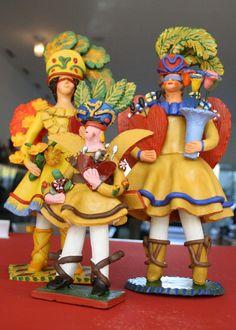 "UNESCO declara ""Bonecos de Estremoz"" como Património Cultural Imaterial – ECO Arte Popular, Spanish Party, Contemporary Decorative Art, Clay Classes, Sea Activities, Visit Portugal, Western World, Naive Art, Portuguese"