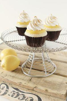 lemOn tart meringue cupcakes