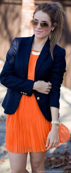 Navy blazer, orange dress--- obsessed with those whole look! Cool Street Fashion, Look Fashion, Womens Fashion, Fashion Trends, 90s Fashion, Fashion Styles, Runway Fashion, Trendy Fashion, Fashion News