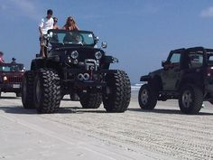"""Custom Monster Jeep by Tony's Total Performance (ttpfab.com). Won Daytona Florida's 2010 Jeep Beach """"Best in Show"""". Beautiful Hug Jeep, Clean and custom all the way."""