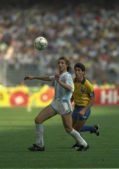 Jorginho and Caniggia. Brasil v Argentina (0-1) World Cup '90: Second Round, June 24, 1990. Stadio Delle Alpi, Turin.Source: Yahoo! Deportes