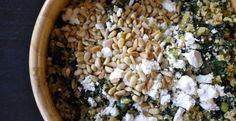 Maak quinoa voor kinderen met dit gemakkelijke eenpansgerecht met quinoa en boerenkool.