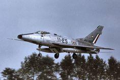 """North American F-100D """"Super Sabre"""" 54-2166 (11-ES)"""