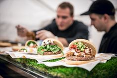 Champions on the road! Enjoy best burgers at our outide caterings @ Streetlife Festival Munich. Champions unterwegs! Genießt die besten Burger auf unseren Outside Caterings am Streetlife Festival in München. #outsidecatering #outsidecateringbymarriott