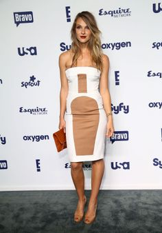 Beau Garrett Strapless Dress - Beau Garrett was modern and sexy in a white and nude strapless dress during the NBCUniversal Cable Entertainment Upfronts. Celebrity Outfits, Celebrity Feet, Celebrity Pictures, Celebrity Style, Beau Garrett, Balyage Hair, Jessica Stroup, Beautiful Celebrities, Beautiful Women