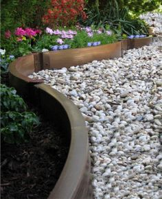Set your garden beds apart from walkways, paths, and lawn areas with easy-to-install decorative landscape edging products. Timber Garden Edging, Garden Border Edging, Lawn Edging, Landscape Edging, Garden Borders, Brick Edging, Garden Paths, Raised Garden Bed Kits, Raised Beds