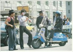 Some pictures of police riding a scooter. Scooter Store, Mod Scooter, Lambretta Scooter, Vespa Scooters, Police Test, Police Cars, Police Vehicles, Police Crime, Pictures Of Police