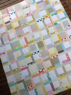 love the light airy feeling of this quilt. a bit modern and beautiful. love!