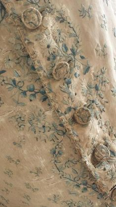 Sweet Jojo Designs Set of 3 One Size Fits Most Basket Liners for Woodland Animal Toile Bedding Sets - Home Style Corner Antique Clothing, Historical Clothing, Modern Clothing, Vintage Outfits, Vintage Fashion, French Fabric, Passementerie, Linens And Lace, French Country Style