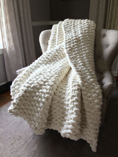 Chunky Knit Ivory Blanket Soft, cozy and super chunky knit blanket custom made in your choice of colors and knit style. Giant Knit Blanket, Chenille Blanket, Chunky Blanket, Chunky Crochet, Chunky Yarn, Knitted Afghans, Knitted Blankets, What Sells On Etsy, Ivory