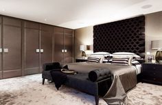 BUILT IN WALL CLOSET WITH THIS ROOM WOOOOOW HAVING SUCH A BEDROOM IS A MUST