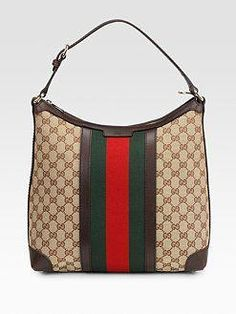 a3c06d8a8eb2 Gucci - classic with a modern twist. Love the shape of this bag. I love the  classics #Guccihandbags