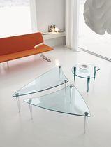 Mesa de centro moderna de vidrio