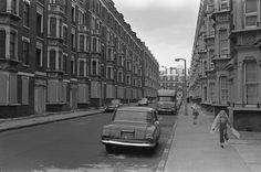 In Corfield St, Bethnal Green. 1970s | Spitalfields Life