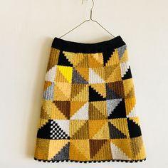 Tweed Skirt, Knit Skirt, Mode Crochet, Knit Crochet, Crochet Skirt Pattern, Crochet Patterns, Clothes Pin Wreath, How To Make Skirt, Crochet Woman